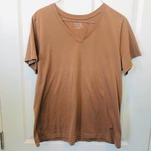 Time and Tru Brown V-Neck Tee L